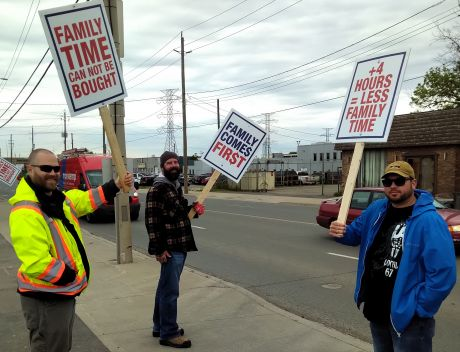 Plumbers and steamfitters strike against concessions