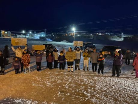 Pond Inlet protest in solidarity with hunters' blockade