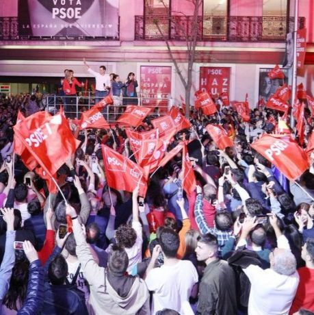 PSOE Socialist Party supporters celebrated on Sunday night (Photo: @PSOE on Twitter)