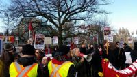 """Racist """"yellow vests"""" outnumbered at Vancouver City Hall"""