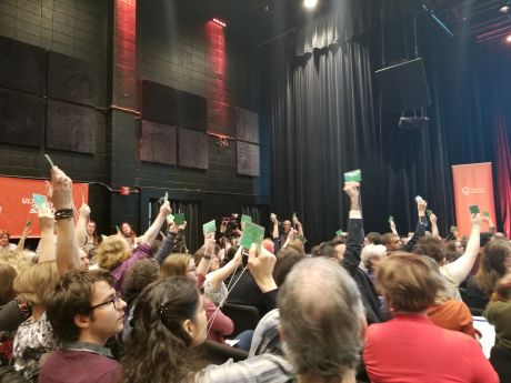 Delegates at Quebec solidaire National Council meeting vote overwhelmingly to fight the ban on religious symbols