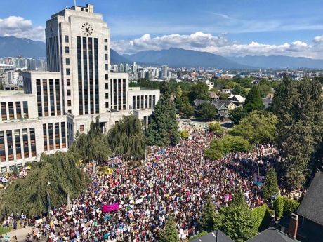 Over 5000 at Vancouver City Hall